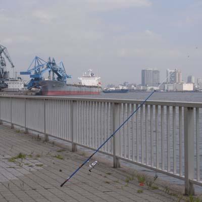 釣り竿と船