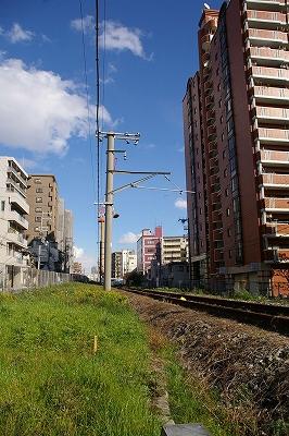 まだ線路が残る臨港線。