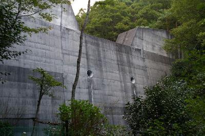 ぬりかべ?ほんとは「北畑第二砂防ダム」です。