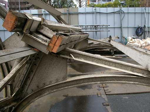 灘駅跨線橋解体