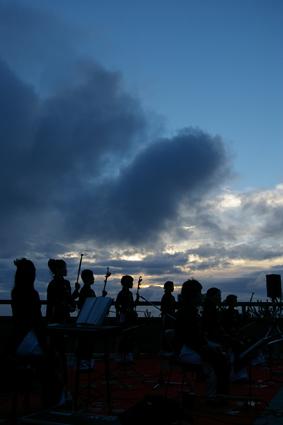 天空の大舞台アジアンライブ