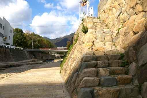 都賀川ハードボイルド階段